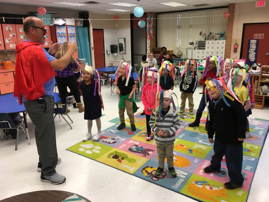Glendale Kindergarteners Celebrate 100 Day of Learning